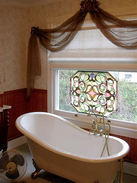 bathroom window ideas for privacy best 25 bathroom window privacy ideas on frosted window bathtub ideas and bathroom