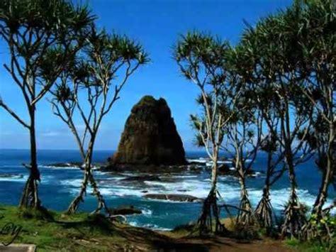 wow tempat wisata pantai  indah  jawa timur