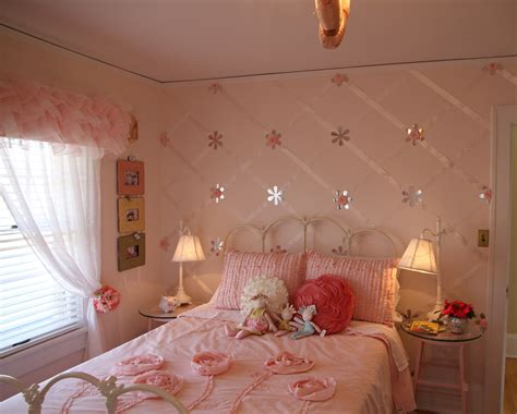 girls bedroom accent wall friday finds bachman s spring idea house hirshfield s