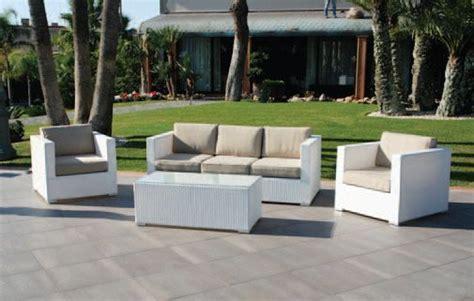 divanetti in vimini da esterno divano divani poltrone poltrona esterni giardino vimini
