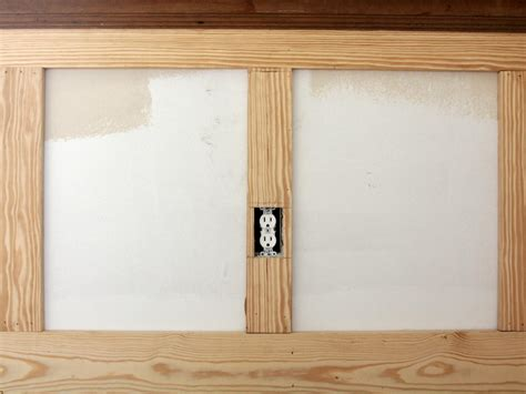 Shaker Wainscoting How To Install Shaker Style Wainscot How Tos Diy