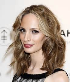 information on shoulder length hair for medium length hairstyles for thick hair wavy with bangs