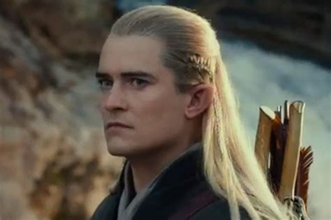 orlando bloom voice video new hobbit trailer reveals smaug s voice played by