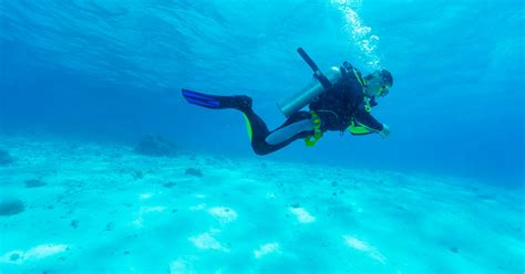 scuba diving scubadiver sur topsy one