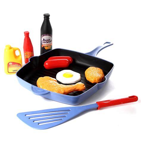 cuisine pour garcon panoplie de cuisinier pour enfant 9 pi 232 ces maison fut 233 e