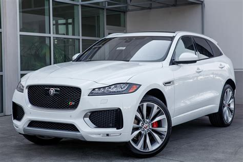Jaguar 2019 F Pace by New 2019 Jaguar F Pace 35t S Awd Suv In Bellevue 90455
