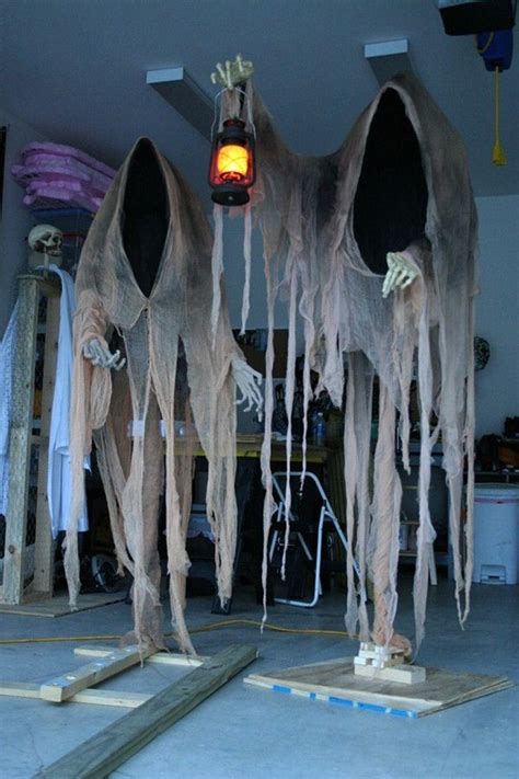 how to make scary halloween decorations at home best 25 scary halloween crafts ideas on pinterest