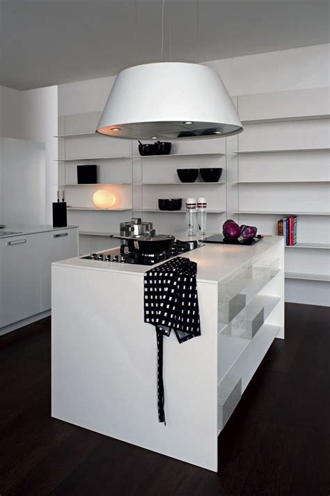 Cucine Moderne Piccole Con Isola by Oltre 25 Fantastiche Idee Su Piccole Cucine Con Isola Su