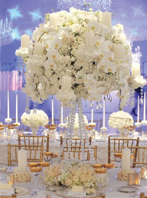 all white wedding theme classic timeless flowers