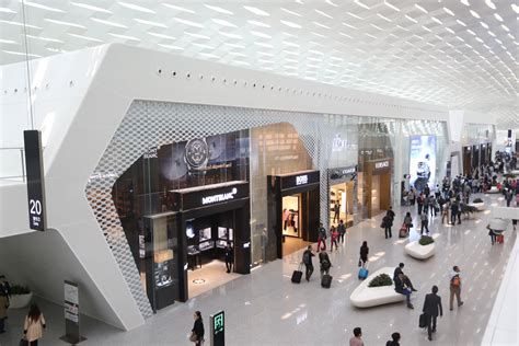 Hotel Style Ls With Outlets by High Style In Shenzhen As Lstr Launches 13 Luxury Boutiques