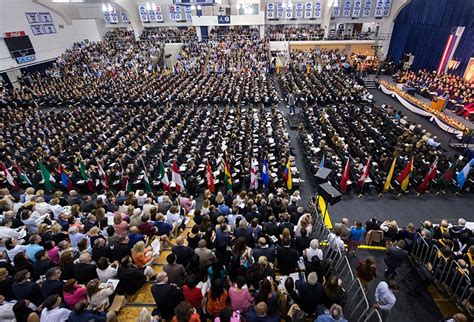 Mcdonough Mba Academic Calendar by Georgetown Graduates Thousands During Commencement