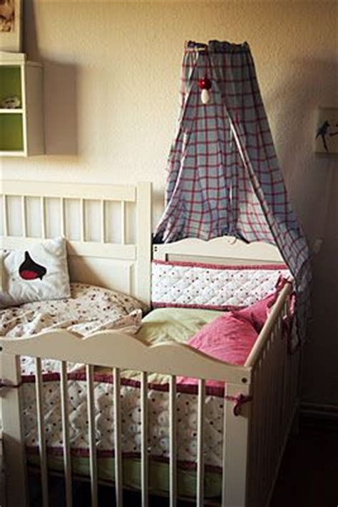 Elm Baby Co Sleeper by Best 25 Co Sleeping Cot Ideas On Co Sleeping Bed Crib Cosleeper And Baby Bedside