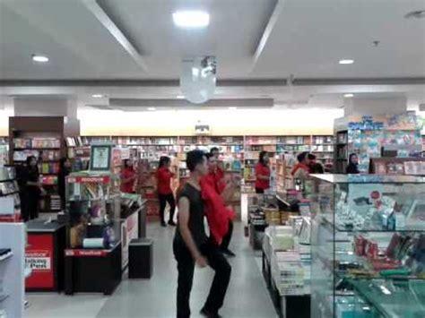 cgv rita supermall tegal flashmob gramedia rita supermall tegal youtube