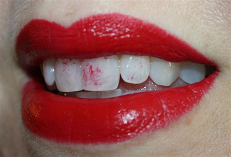 Red Lipstick Memes - how not to wear lipstick and lipliner vy varnish