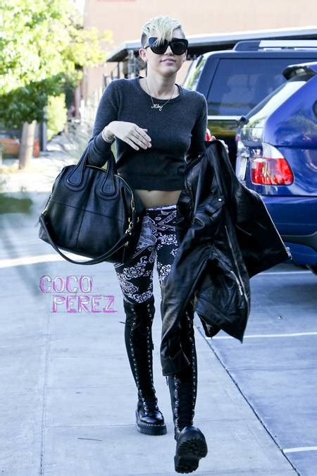 Sandal High Heels Blackkelly Lwa 569 miley cyrus is thigh high in questionable style cocoperez