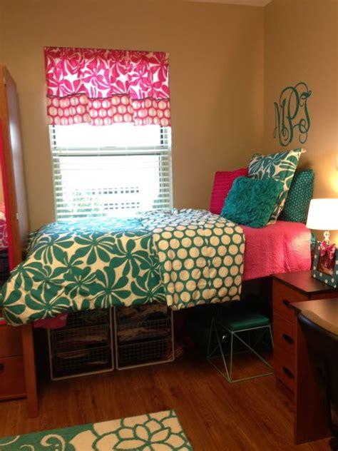 pink dorm bedding pink turquoise dorm room our freshmen dorm room