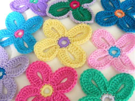 crochet pattern hawaiian flowers the flower bed crochet pinterest flower beds beds