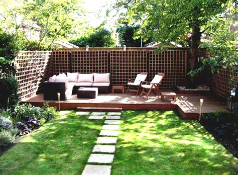 Ideas For Backyard Gardens Simple Garden Ideas For Backyards With Colourful Flower Plants Homelk