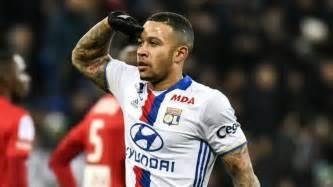 La Liga Tables Memphis Depay Breaks His Olympique Lyonnais Duct In 4 0