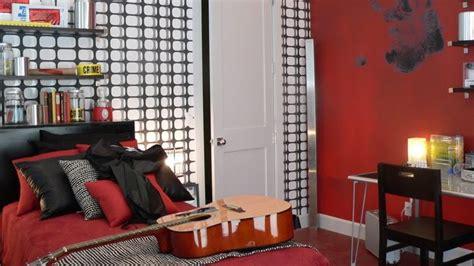 imagenes habitaciones rojas dormitorio juvenil rojo negro blanco con cinta de no pasar