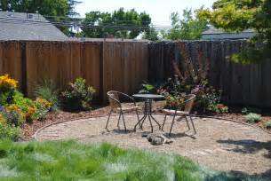 backyard patio ideas with gravel photos landscaping gardening ideas