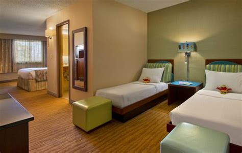 Coco Hotel Rooms by Family Room At The Adjacent Doubletree By Boston