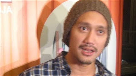 vulgar indonesia gambar foto artis july 2010