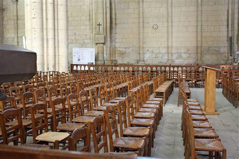 chaise d église photo gratuite chaises d 201 glise chaises en bois image