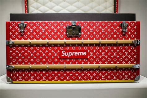 Would You Buy A Vuitton From This by Would You Buy This Supreme X Louis Vuitton Trunk For 68 500
