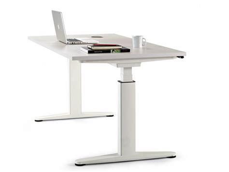 scrivanie regolabili in altezza scrivania ad altezza regolabile operativa mobility actiu