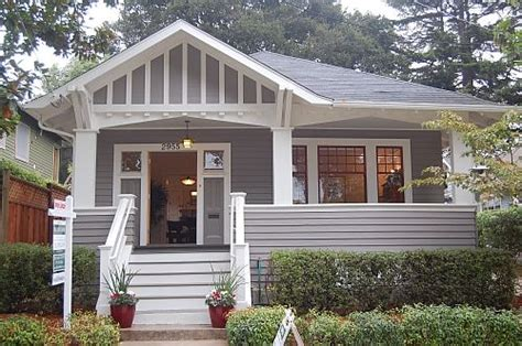 Paint Colors For Cottage Style Homes by The Porch Details Cottage Style Windows Color Of