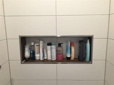 badezimmer cubbies duschablage unser ablagefach in der gemauerten dusche