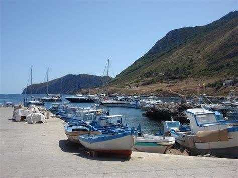 porto favignana marettimo porto viaggi vacanze e turismo turisti per caso