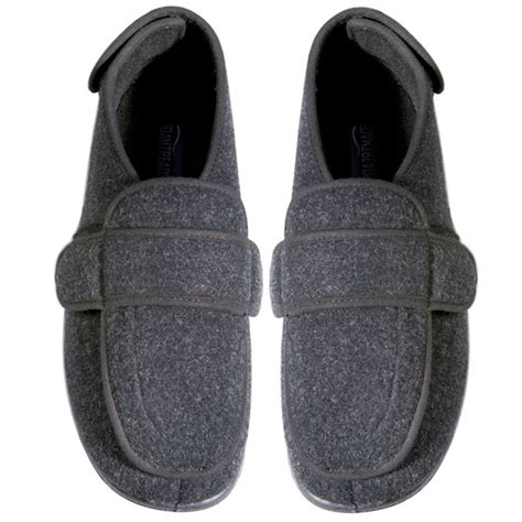 mens slippers for swollen foamtreads comfort mens slipper for swollen at