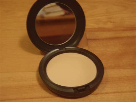 Mac Studio Compact Powder mac studio careblend pressed powder review beautylit