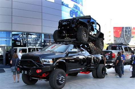 Best Up Truck 2015 by Trucks And Jeeps From The 2015 Sema Show Topperking