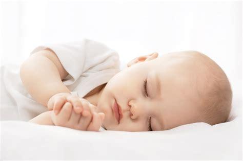 imagenes oniricas para dormir 191 c 243 mo ense 241 arle a dormir a nuestros beb 233 s