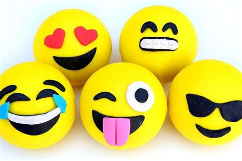 emoji wallpaper free download emoji wallpapers 183