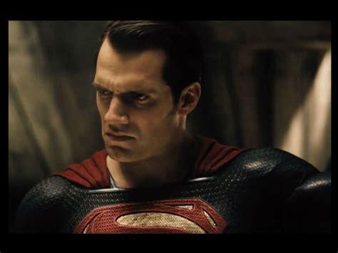 Kaos Batman V Superman 26 Bv Seven grumpy superman faces grumpy batman in new quot bvs quot footage