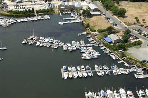 boat basin def marina bay docking in wakefield ri united states