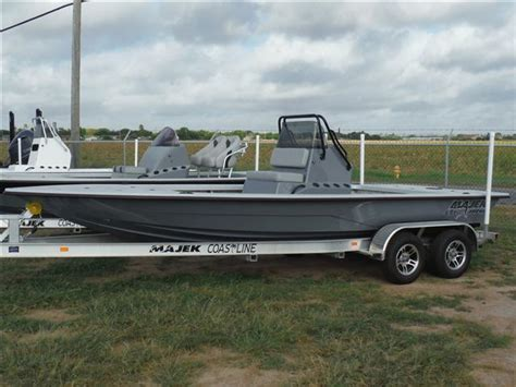 majek boat dealer san antonio corpus christi 2015 majek boats 2200 xtreme for sale