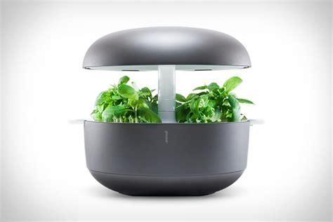 das mini gewaechshaus plantui smart garden mustxhave