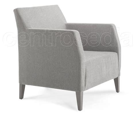 poltrona legno giulia poltrona legno imbottito poltroncine e divani