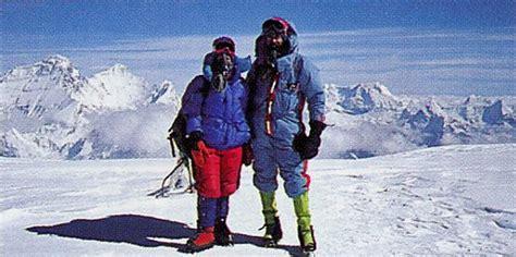jan arnold rob cho oyu trekking guidebooks books external links dvds