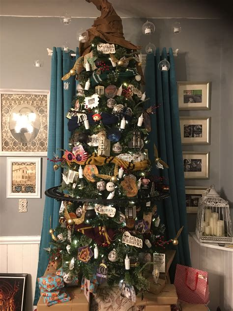 harry potter christmas decorating ideas harry potter tree harry potter decorating harry potter