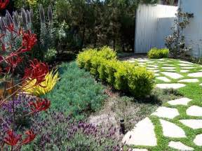 english garden california style traditional landscape los angeles by be landscape design