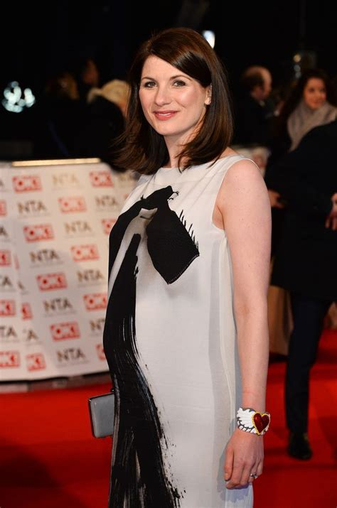 actress pregnant at 48 actress jodie whittaker pregnant for first time