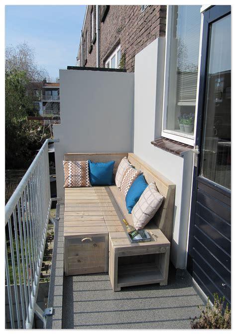bank balkon balkon loungebank gebruikt steigerhout op het balkon