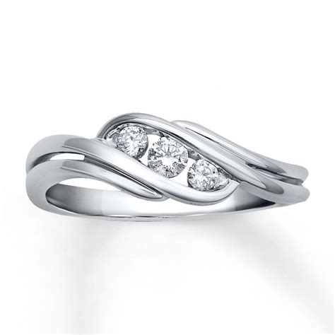 beautiful 1 4 carat trilogy engagement ring in white gold