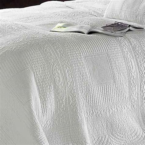 White Quilted Bedspread Naples Embossed 100 Cotton Quilted Bedspread White King